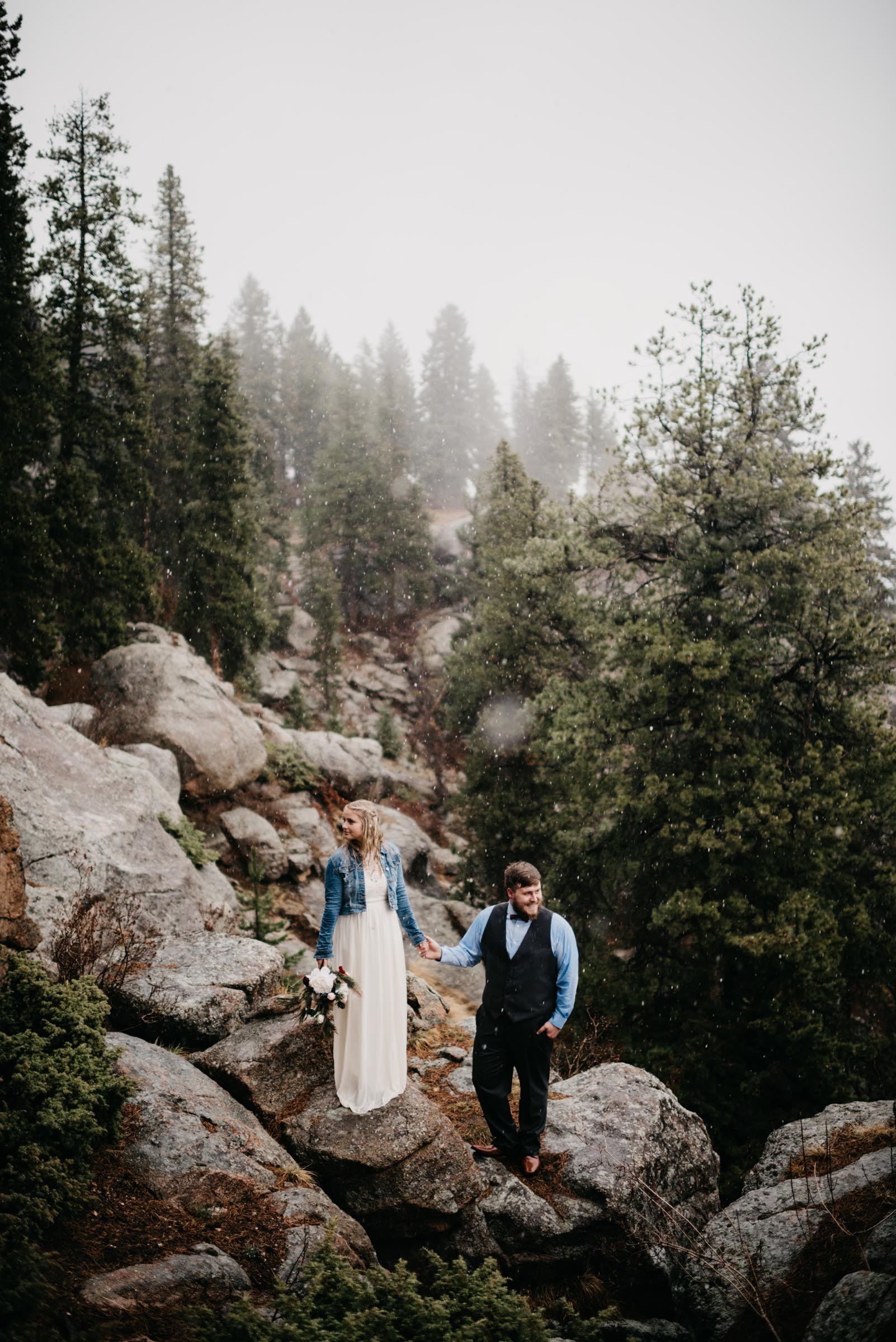 couple eloping in the mountains of Colorado