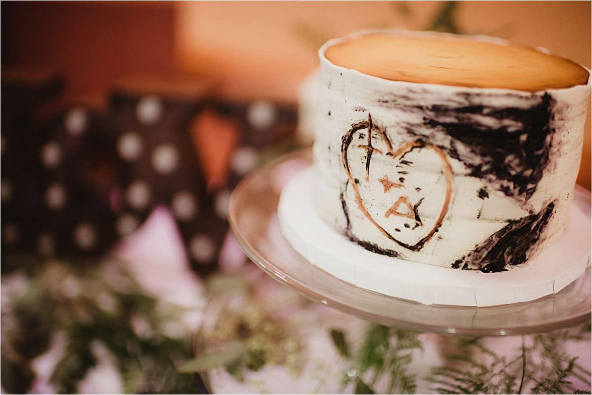 Wedding Cake Looks Like Tree