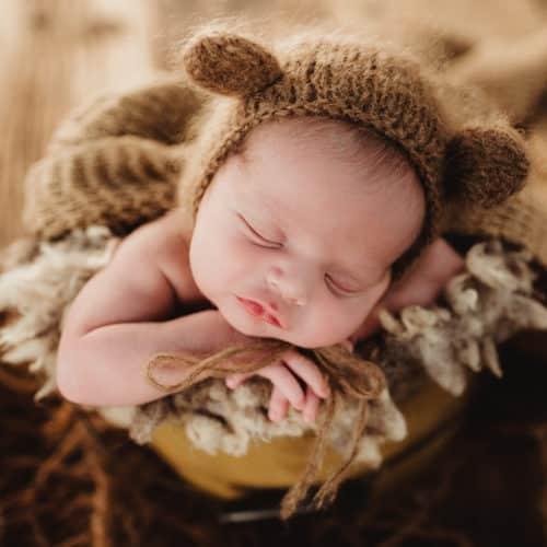 newborn bucket pose video